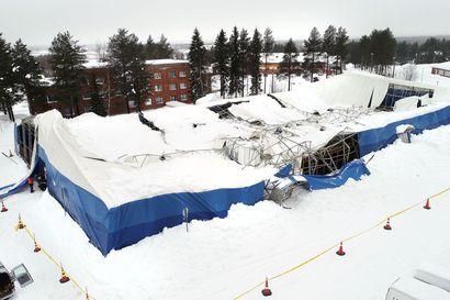 Lumi romahdutti vanhan jäähallin katon Sodankylässä