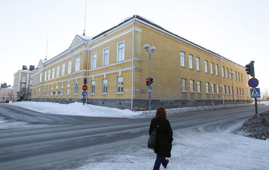 Oulun lyseon lukioon oli korkein keskiarvoraja Oulun lukioista.