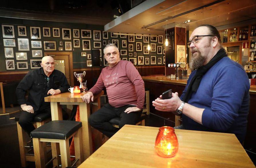 """Arto """"Arppa"""" Dahlgren (vas.), Ilkka Perttunen ja Sake Saarinen ovat tulleet hyviksi tutuiksi vuosien aikana."""
