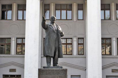 Valko-Venäjän johtajat eivät näytä piittaavan arvostelusta, mutta maan toimet pitää silti tuomita