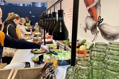 Miltä näyttää ja maistuu opiskelijan lounas–testikierros oululaisissa opiskelijaravintoloissa osoitti, että variaatiota on