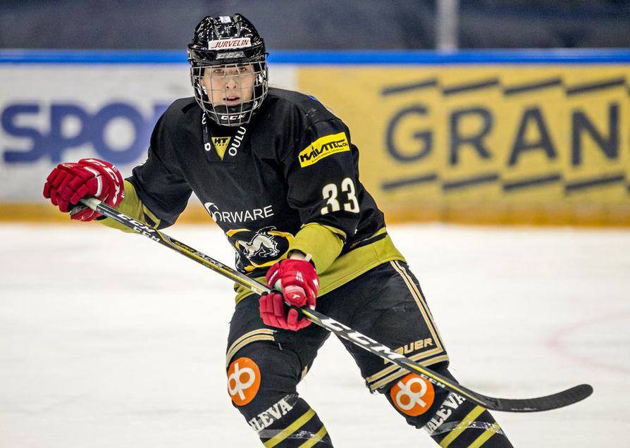 Suvi Käyhkö pelasi loistavan syyskauden Kärppien ykkösketjun keskushyökkääjänä.
