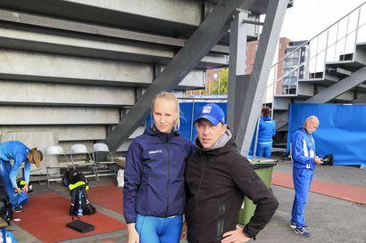 Etävalmennus tuo uusia haasteita – valmentaja Jani Hirsivaara ja valmennettava Mette Baas miettivät pikajuoksijan tulevaa päämatkaa