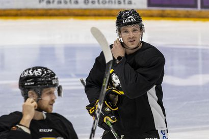 """Kärppäpelaaja Cody Kunyk on intohimoinen Edmonton Oilersin kannattaja ja hän on sivunnut aihetta Jesse Puljujärven kanssa – """"Voimme puhua Oilersista enemmänkin"""""""
