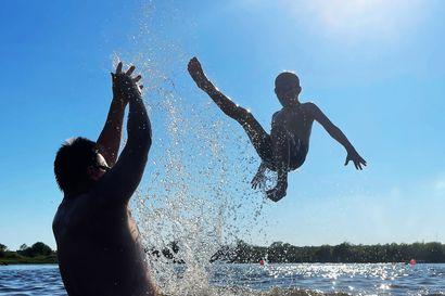 Lukijoiden hellekuvia: Vauhdikas uimareissu, aikainen aamulenkkeilijä ja maistuvia kesäherkkuja tunturissa