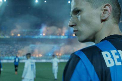 Arvio: Nuoren jalkapalloilijan unelmasta tulee painajainen erilaisessa kasvutarinassa