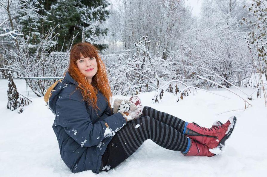 """Taiteellinen johtaja Anna Koivukangas uumoilee Nallikariin lumenveistokilpailun olevan """"jotain sellaista, mitä ei ole näillä kulmilla ennen nähty""""."""