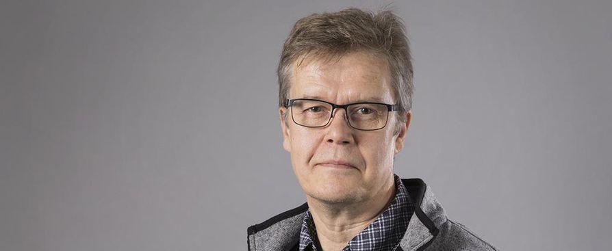 Toimittaja Pekka Mikkola.