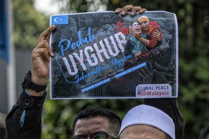 """Kiina uhkailee ulkomailla asuvia uiguureja – """"Ajattele perheesi turvallisuutta"""""""