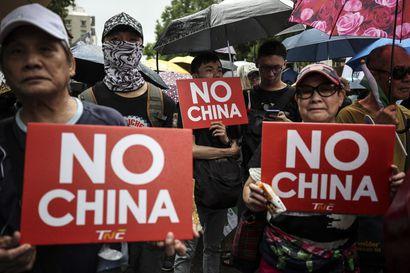 Liittolaisiaan menettävä Taiwan kutsuu Kiinaa autoritääriseksi uhkaksi ja syyttää presidentinvaaleihinsa sekaantumisesta