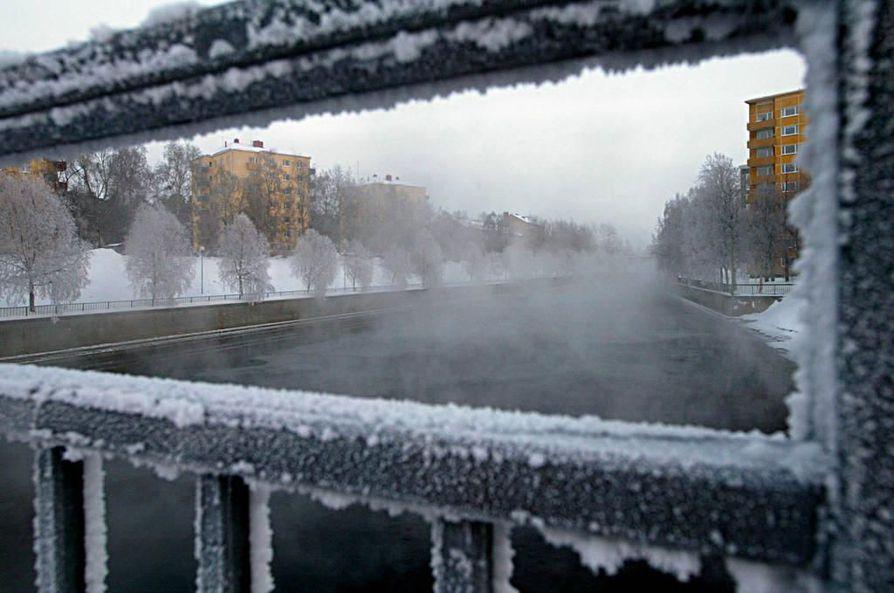 Oulussa mitattiin torstaina tähän mennessä talven kireimmät pakkaslukemat alueella.