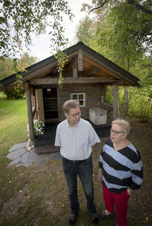 Eeva ja Jussi Tervaskannon kotitsasouna, ortodoksisesta perinteestä tuttu rukoushuone on myös vierasmökki.