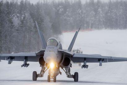 Karjalan lennosto harjoittelee Oulunsalosta käsin ensi viikolla – harjoitus voi aiheuttaa melua ja hetkellisiä valoilmiöitä taivaalle