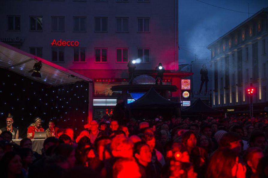 Ilmakitaransoiton MM-kisojen finaali on loppukesän suosituimpia tapahtumia Oulussa. Viime vuosina tapahtuma on järjestetty Rotuaarilla.