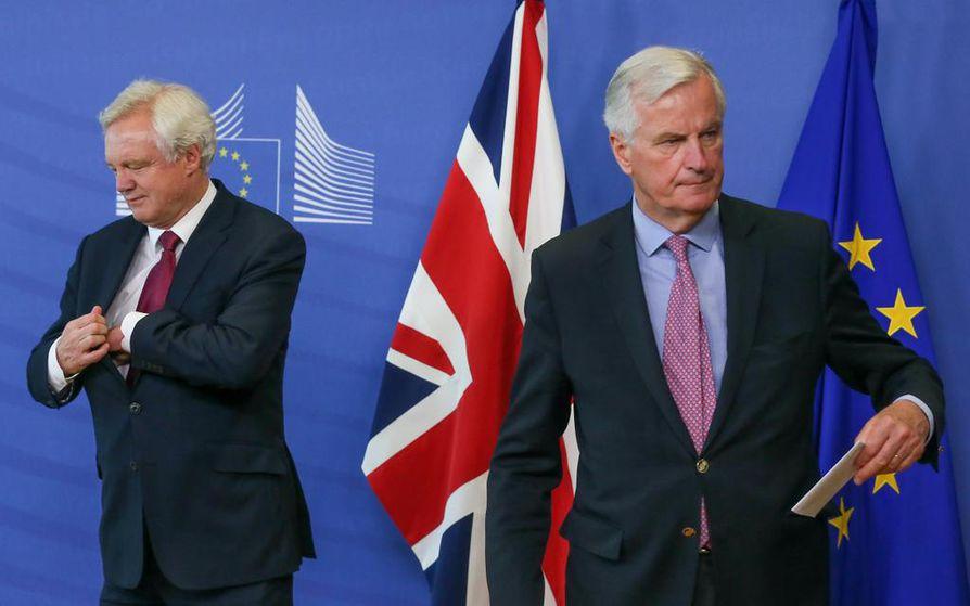 David Davis ja Michel Barnier aloittavat tänään ensimmäiset viralliset Brexit-neuvottelut.