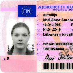 18 vuotta täyttävät saavat viranomaisilta syntymäpäiväkortin ja neuvon hankkia verkkopankkitunnus tai mobiilivarmenne