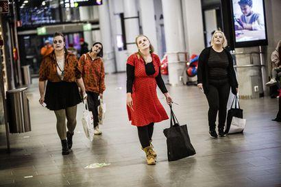 Zombiet protestoivat ylikulutusta vastaan Rovaniemellä –Ajankohta oli tarkoin harkittu, paikan valintaan vaikutti käytännön syyt