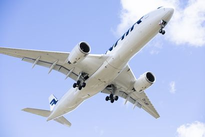 """""""Määrä yllätti kaikki"""", ylempien toimihenkilöiden edustaja kommentoi Finnairin rajua vähennystarvetta – Kurjuutta on luvassa lentoemännillekin"""