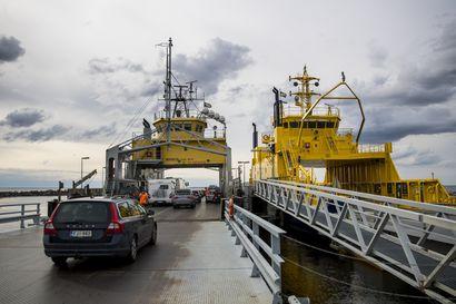 Hailuodon Merisilta-lautta poissa käytössä teknisen vian vuoksi – vika saadaan korjattua näillä näkymin lauantaihin mennessä