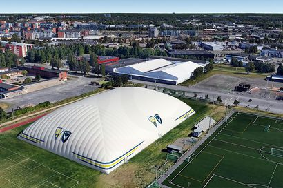 Heinäpäähän rakennettavan uuden jalkapallohallin toivotaan valmistuvan syksyllä– hallin myötä Oulussa pystytään järjestämään isoja kansainvälisiä jalkapalloturnauksia myös talvella
