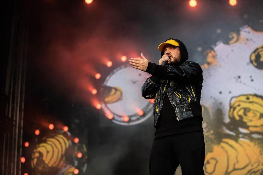 Rap-artisti Pyhimys eli Mikko Kuoppala teki vuonna 2018 Suomen kuunnelluimman biisin.