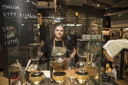 """Oulun ravintolat tekevät hyvää tulosta kurjan koronakevään jälkeen, mutta huolet eivät ole silti ohi – """"Myynti kyllä räjähti!"""""""