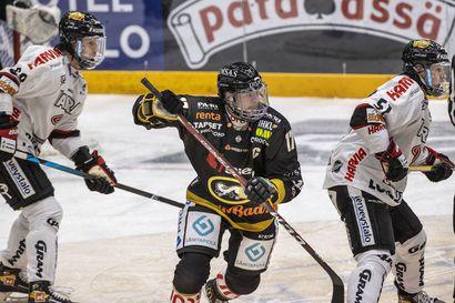 """Entisten pelikaverien heittämä haaste sai Mika Pyörälän kylmäaltaaseen – """"En tykkää pätkääkään kylmästä vedestä"""""""