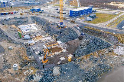 Fennovoiman ydinvoimalahankkeessa neljä koronatartuntaa Pyhäjoella – Kaksi todettu karanteenissa olleilla ulkomaalaisilla majoituskylässä, altistuneita kymmenkunta