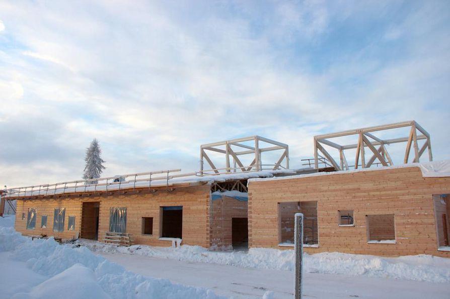 Valtuustoaloitteessa esitetään puurakentamisen ohjelmaan Oululle. Naapuripaikkakunnalle Pudasjärvelle rakennettiin pari vuotta sitten maailman suurin hirsikoulu.