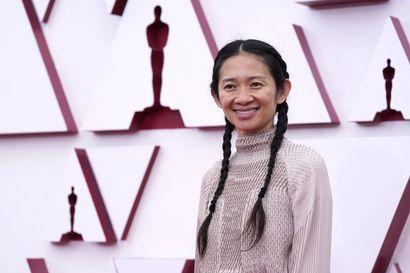 Nomadland voitti odotetusti parhaan elokuvan ja ohjauksen Oscarit, muttei putsannut koko palkintopöytää