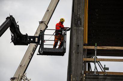 Työllisyyspalvelut siirtyvät kuntiin vasta maaliskuussa – TE-keskukset eivät ehtineet vauhtiin mukaan