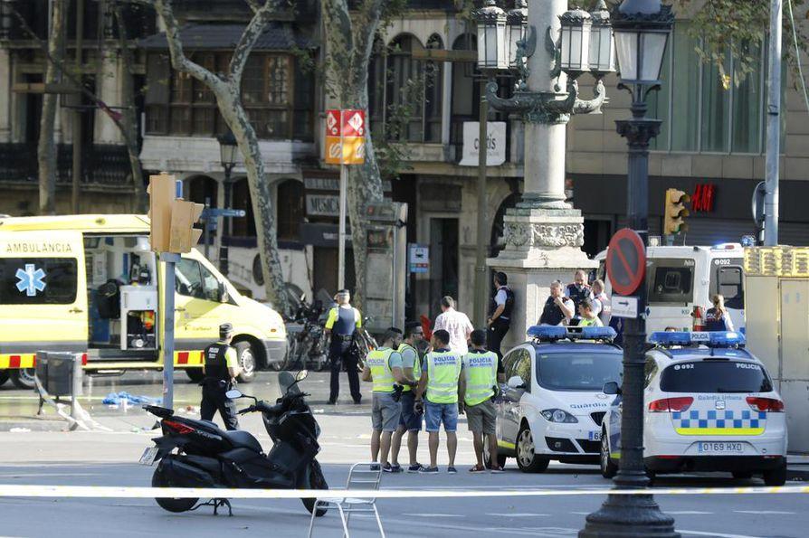 Barcelonassa terroristit iskivät suositulle La Ramblas -kadulle.