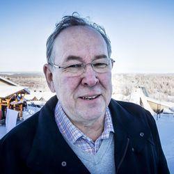 """Pertti Yliniemi ihmettelee, miksi Ruotsin rajaa ei suljeta kokonaan: """"Pantiinko Lapin hiihtohissit ja hotellit turhaan kiinni?"""""""