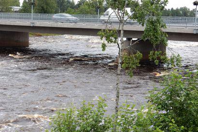 Pyhäjoen veden korkeus alkaa laskea tänään