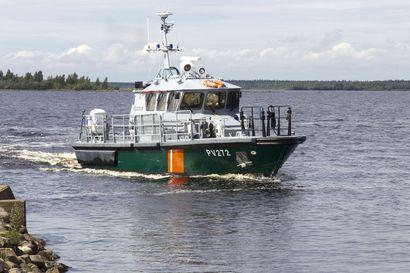 Itä-Uudenmaan poliisi käynnistää rikostutkinnan Rajavartiolaitoksen partioveneen uppoamiseen liittyen – kesäkuisessa onnettomuudessa kuoli yksi merivartija, kaksi pelastui