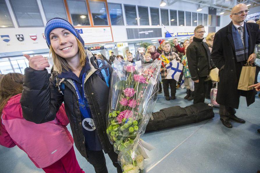 Enni Rukajärvi on osoittanut omalla esimerkillään, mitä kaikkea tyttö saa olla ja tehdä. Kuusamolaisen lumilautailijan toista olympiamitalia juhlittiin viime helmikuussa.