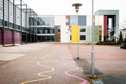 Hallitus pidentää koulujen sulkemista ja etäopetusta kuukaudella – Koulujen aikainen aloittaminen syksyllä on yksi vaihtoehto