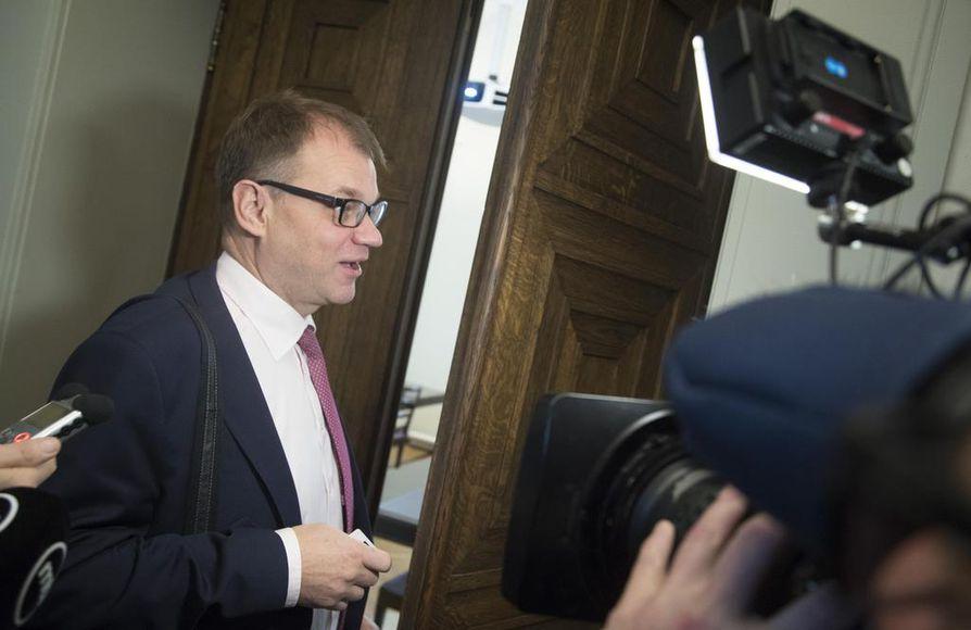Pääministeri Juha Sipilä sai torstaina eduskunnassa osansa opposition sote-kritiikistä.
