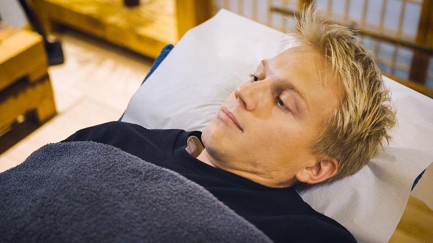 Jaakko Keso laittaa itsensä likoon sekä Yle Areenassa olevassa dokumenttisarjassa Suomesta että tuoreella Youtube-kanavallaan.