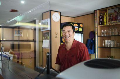 Kuusamon kiinalainen ravintola Dynasty avasi tänään take away'n – yrittäjä vietti puolitoista kuukautta perheensä kanssa Kiinan-kodissaan