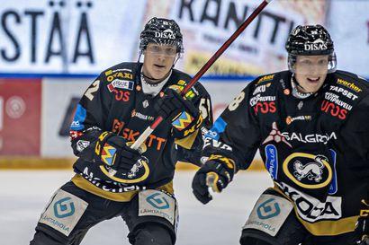 """Aatu Räty ei ole päässyt Kärpissä vauhtiin, vaikka hän onnistui syksyllä nuorten maajoukkueessa ja New York Islandersin leirillä – """"Välillä tämä on rankkaa"""""""