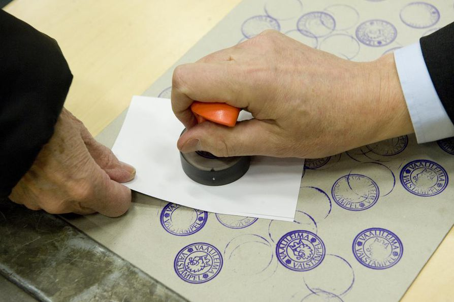 Oikeusasiamiehen määräämässä tarkastuksissa paljastui, ettei äänestäminen ollut kaikkialla esteetöntä eurovaaleissa