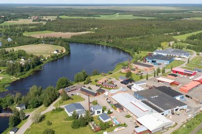 Ruukin Yrityspuisto – oikeastaan ei missään, silti keskellä kaikkea, tarjoten yrittäjälle asiakaslähtöiset toimintatavat sekä hulppeat Siikajoen maisemat!