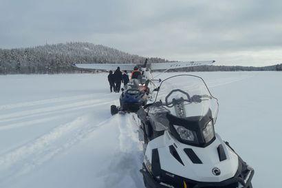 Pienkone laskeutui Sodankylän Seipäjärvelle odottamaan parempaa lentosäätä – kone juuttui järven pinnalla olleeseen sohjoon ja vedettiin irti kelkoilla