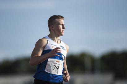 Oulun Pyrinnön pikajuoksulahjakkuus Niko Kangasoja, 17,  aloitti kesän tutuissa merkeissä – ennätys heti uusille sekuntiluvuille