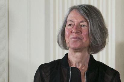 Runoilija Louise Glück saa Nobelin kirjallisuuspalkinnon ja aikoo ottaa sen myös vastaan