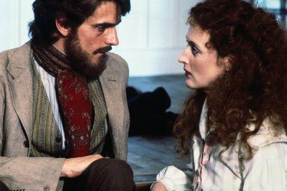 Päivän leffapoiminnat: Rakkaus ei ole muuttumatonta – John Fowlesin romaaniin perustuva elokuva ei tyrkytä helppoja vastauksia vaikeisiin kysymyksiin