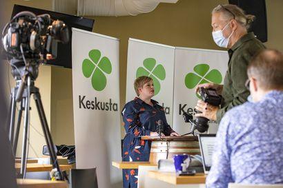 """Valtiovarainministeri Saarikko vastaa kokoomuksen velkakritiikkiin – """"Suomi velkaantunut kaikissa hallituksen väreissä"""""""