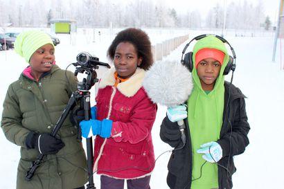 Sosiaalinen taideprojekti rauhan teemalla: Hirsikampuksen Valo-luokka teki Kyyhkyn siivillä -elokuvan