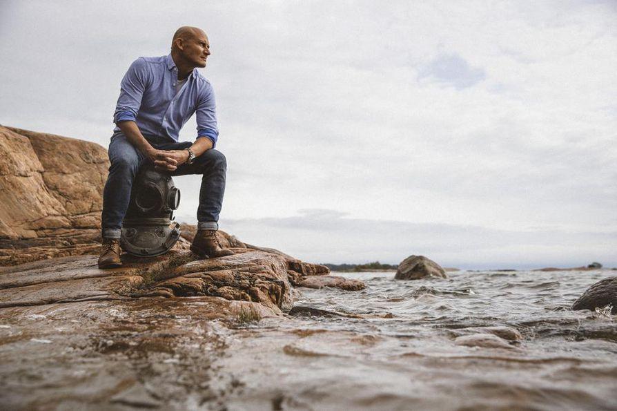 Lukuisia luontoaiheisia dokumentteja tuottanut Marko Röhr on innokas sukeltaja, jonka sydältä lähellä on Itämeren tila. Jos jokainen ajattelee ja haluaa parantaa edes omaa rantaansa, sillä on jo merkitys, hän uskoo.
